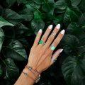 bijoux main